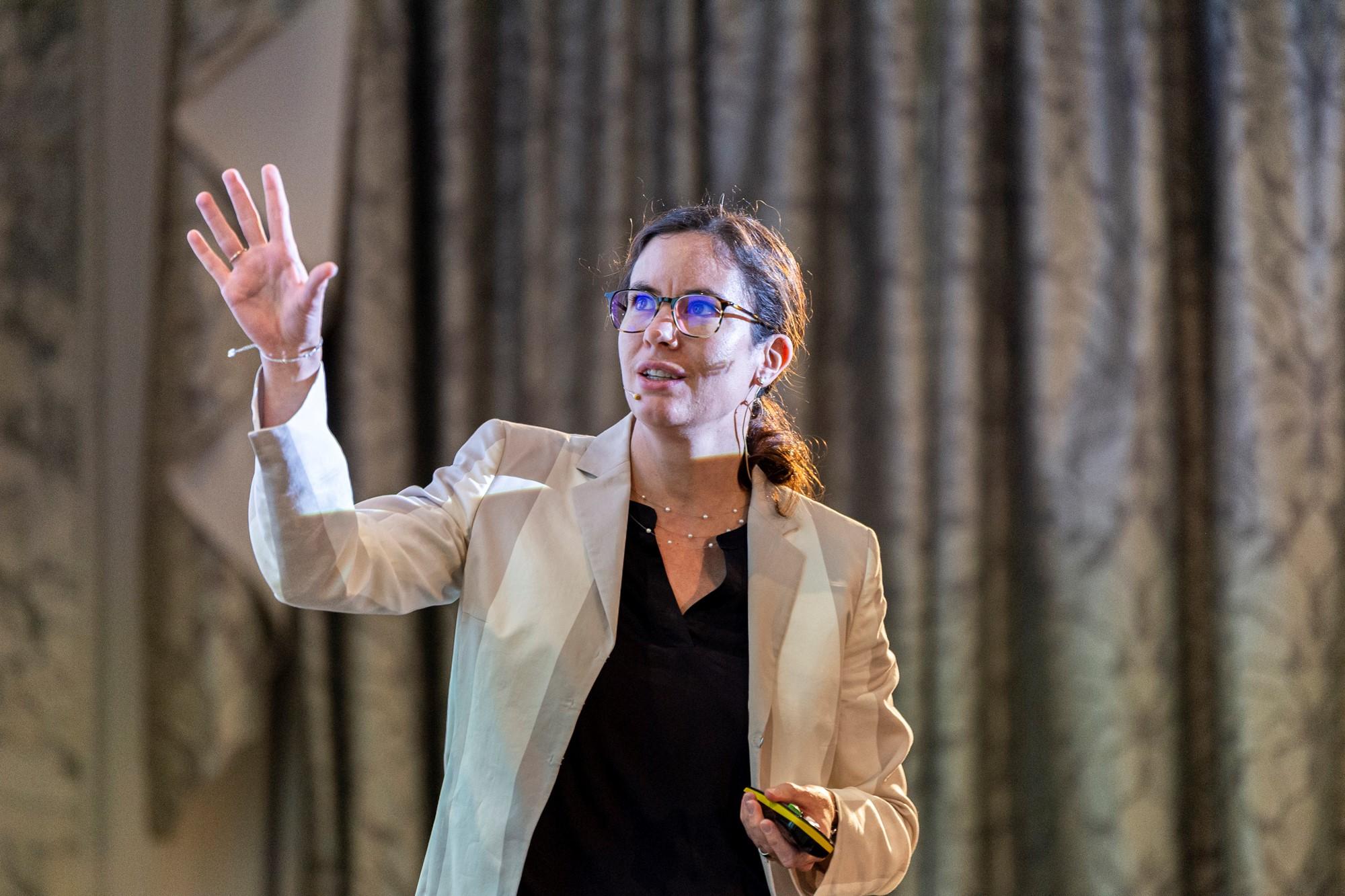 Prof. Dr. Beatrix Eugster beim Vortrag Santésuisse (2019)
