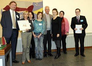 Gewinner am ComToAct Symposium mit Zertifikat