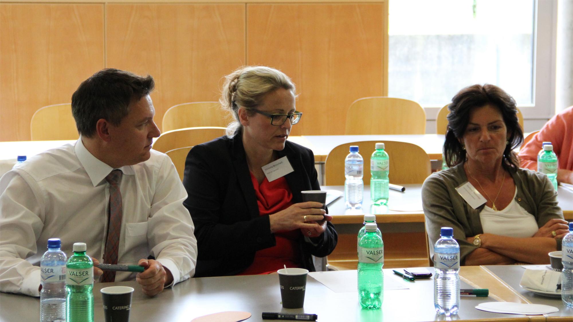 Gäste von Audi im Gespräch