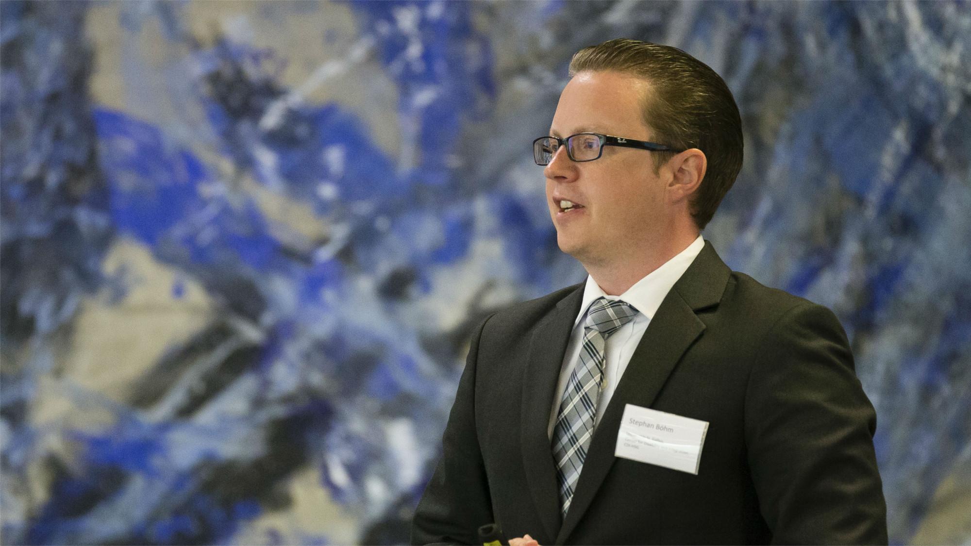 Prof. Dr. Stephan Böhm während seines Vortrags