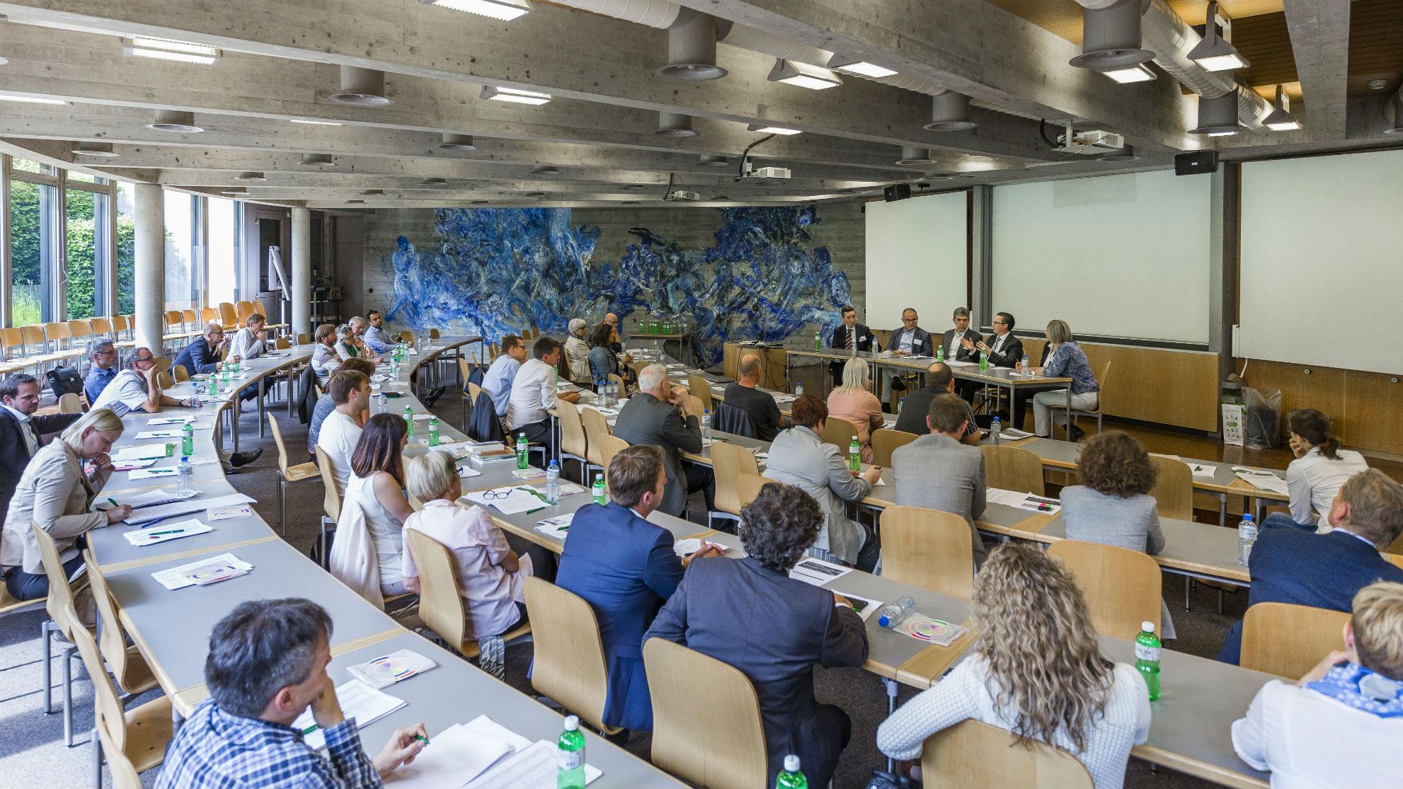 TeilnehmerInnen während der Paneldiskussion
