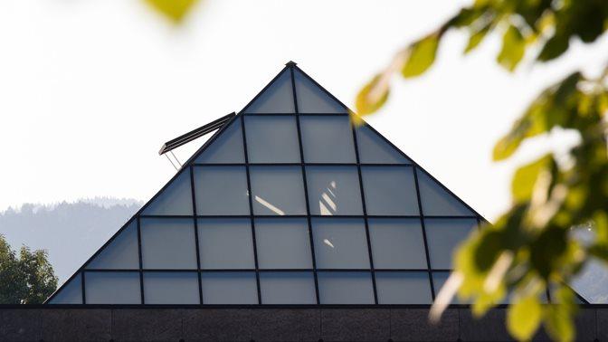 Dach der Bibliothek der HSG
